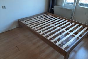 Bed 140x200 (ombouw en lattenbodem)